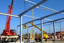 Montage der verzinkten Stahlkonstruktion