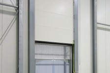 Schnelllauftor im Tiefkühlbereich